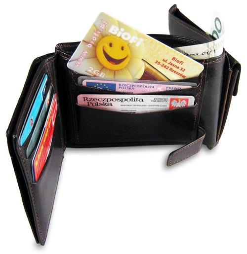 Karta mieści się w portfelu - będzie zawsze blisko Ciebie
