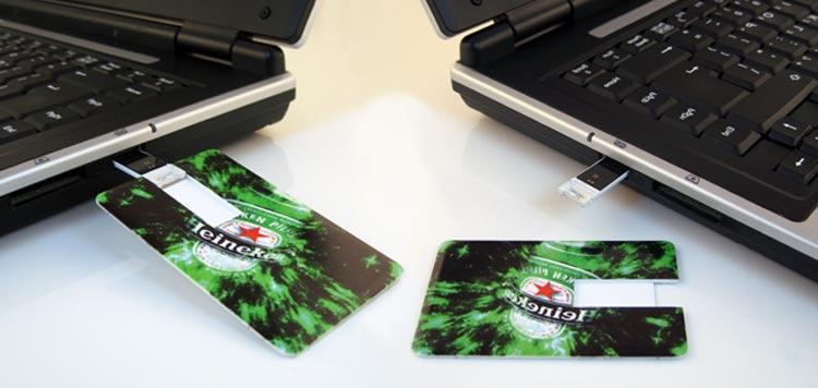 Karty USB PENDRIVE GROZER w laptopie